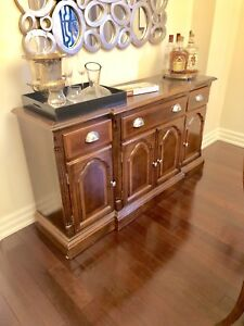 Buffet and hutch server table