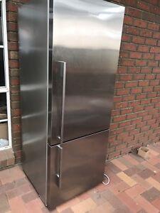 Fisher & Paykel 400lt fridge
