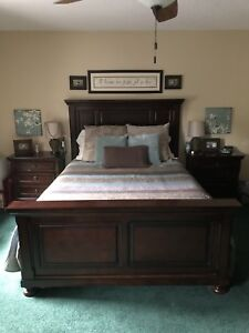 Ashley Furniture Queen-sized Porter Bedframe