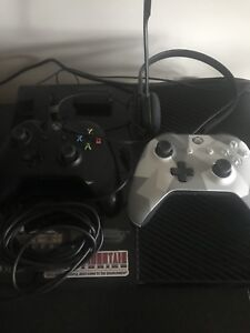 XBOX ONE W/2 Controllers and rechargeable batteries