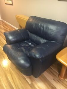 Perfect condition Palliser Blue Leather Love Seat and Chair