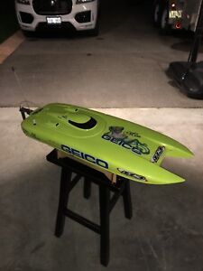 """Pro boat 29"""" miss geico rc boat"""