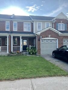 Conveniently located town home in Stouffville