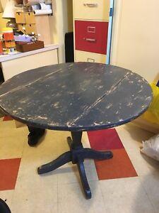 Round pine table.