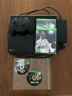 Xbox One 500G with FIFA 18, Destiny 2 and more