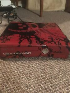 Gears of war Xbox 360 with all attachments