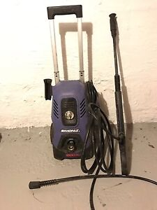 Simonz 1600 psi  electric power washer