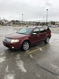 FORD TAURUS X .*****LIMITED*****  ****AWD****