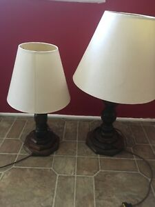 Lampes (2) beiges pour 20$