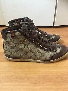 Women's size 8 Gucci shoes