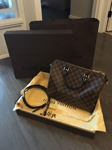 Louis Vuitton Bandouliere LIKE NEW