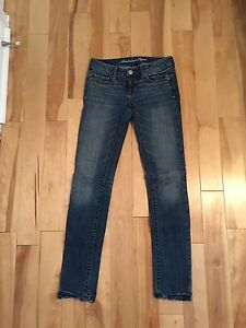 American Eagle Skinny Jeans - Size 0