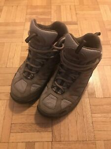 The north face waterproof hiking boots sz7