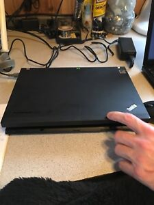 LENOVO X200 LAPTOP WITH AC ADAPTER AND GOOD BATTERY!!!!!