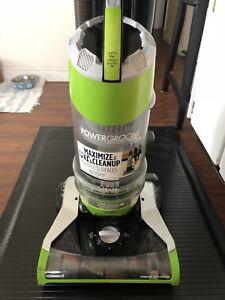 Bissell Powergroom Vacuum