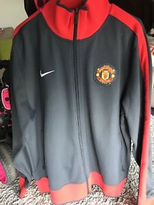 Manchester United track top