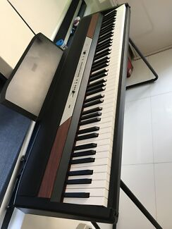 Korg sp250 full size weight keys piano ,  cost $1499 sell $649