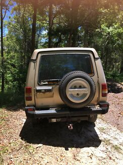 1993 Land Rover discovery V8  Needs Work.