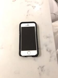 IPhone 5s 32gb   Mint!