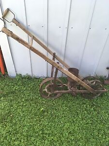 Antique garden planter/seeder