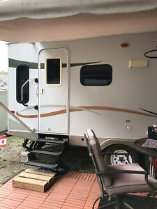 2008  28 FT KZ Spree travel trailer