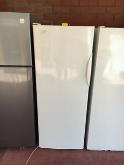 Westinghouse 300L freezer