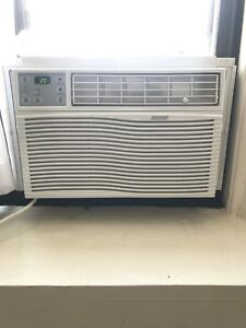 Window Air Conditioner with remote control