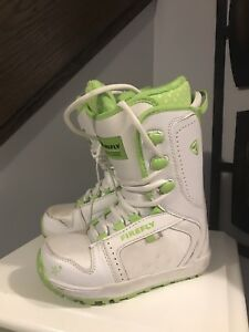 Snowboard boots - youth size 2