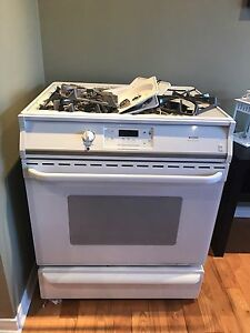 Frigidaire Gallery Oven (needs replacement stove top)