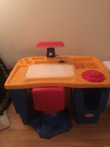 Bureau de dessin pour enfant avec chaise tournante NÉGOCIABLE