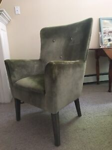 Gorgeous wing back $80. Excellent condition