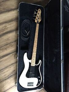 Peavey bass guitar and amp *NEW PRICE*