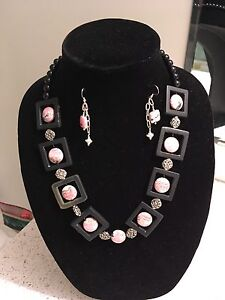 Necklace and matching earrings Peterborough Peterborough Area image 1