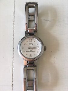 Ladies brand new 725 watch