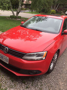 2012 Sportline 2.5 Jetta Leather Sunroof 5spd