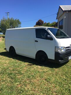 Toyota hiace 2011  Penguin Central Coast Preview