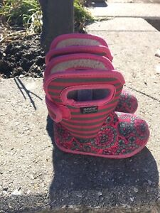 Bogs toddler boots size 5 $20