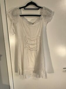 White Dress Size 8 Narre Warren Casey Area Preview
