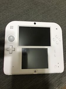 2DS Nintendo with Mario bro's 2 installed