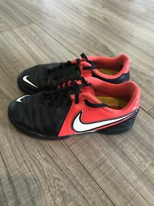 Nike Soccer shoe Youth Size 1