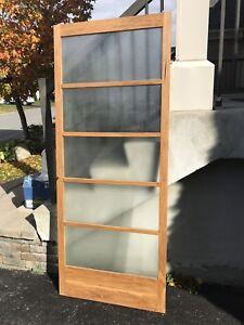 2 portes coulissantes / 2 sliding doors