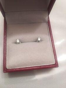 Diamond Earrings studs 14k .32ct F VVS2