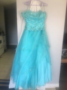 "Beautiful blue "" carousel"" prom dress"