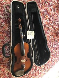 1/2 violin for students