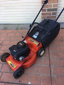 Lawn mower 4 stroke Green Valley Liverpool Area Preview