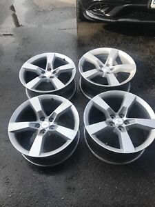 "Selling 20"" powder coated OEM Camaro SS rims"