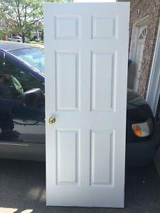 """INTERIOR DOORS WITH GOLDEN LOCK 26"""" 28"""" 32"""" EXCELLENT CONDITION"""