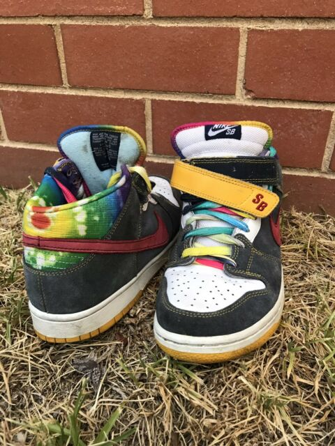 877d4fc8 Nike sb dunk low tie dye US9 | Men's Shoes | Gumtree Australia ...