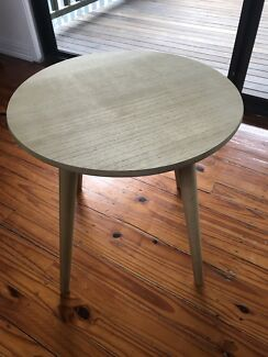 Small coffee / side table good condition