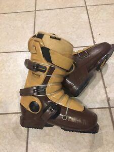 Full tilt ski boots size 26.5 ( mens 8.5- 9 )